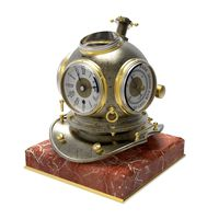 Divers Helmet Desk Clock
