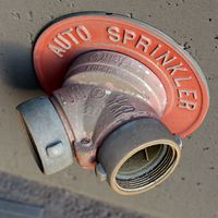 Red fire sprinkler